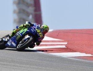 Caduta in Motocross per Valentino Rossi