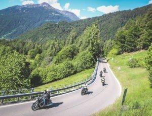 Come prepararsi per un viaggio in moto